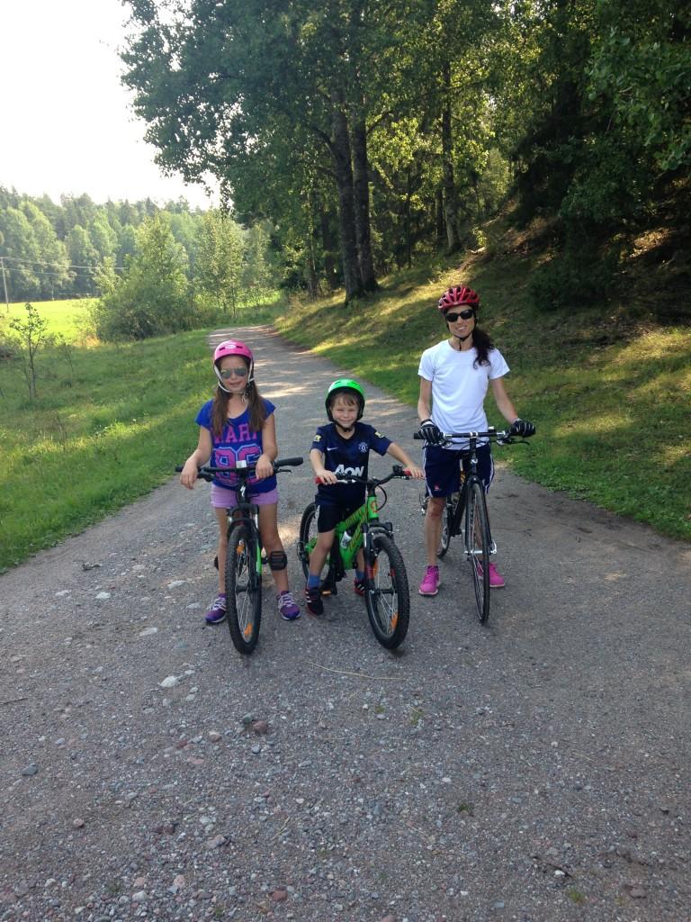 Cykelutflykt med familjen till Järvafältet