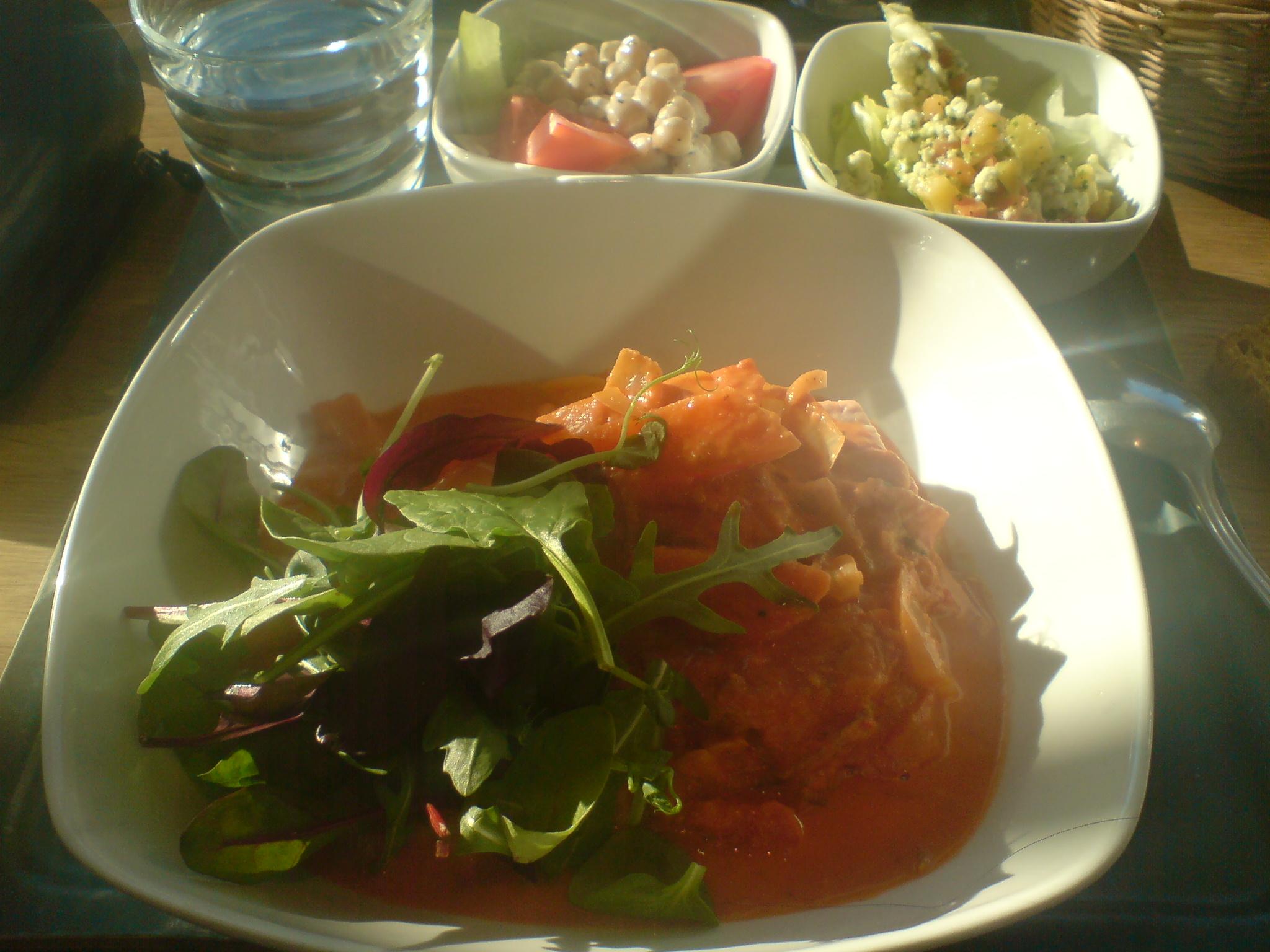 Fiskgrytan och grönsaksskålarna