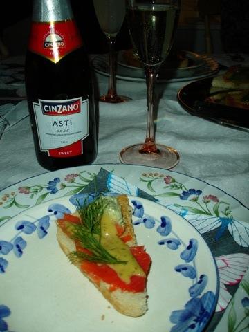 Gravlaxtoast och Asti