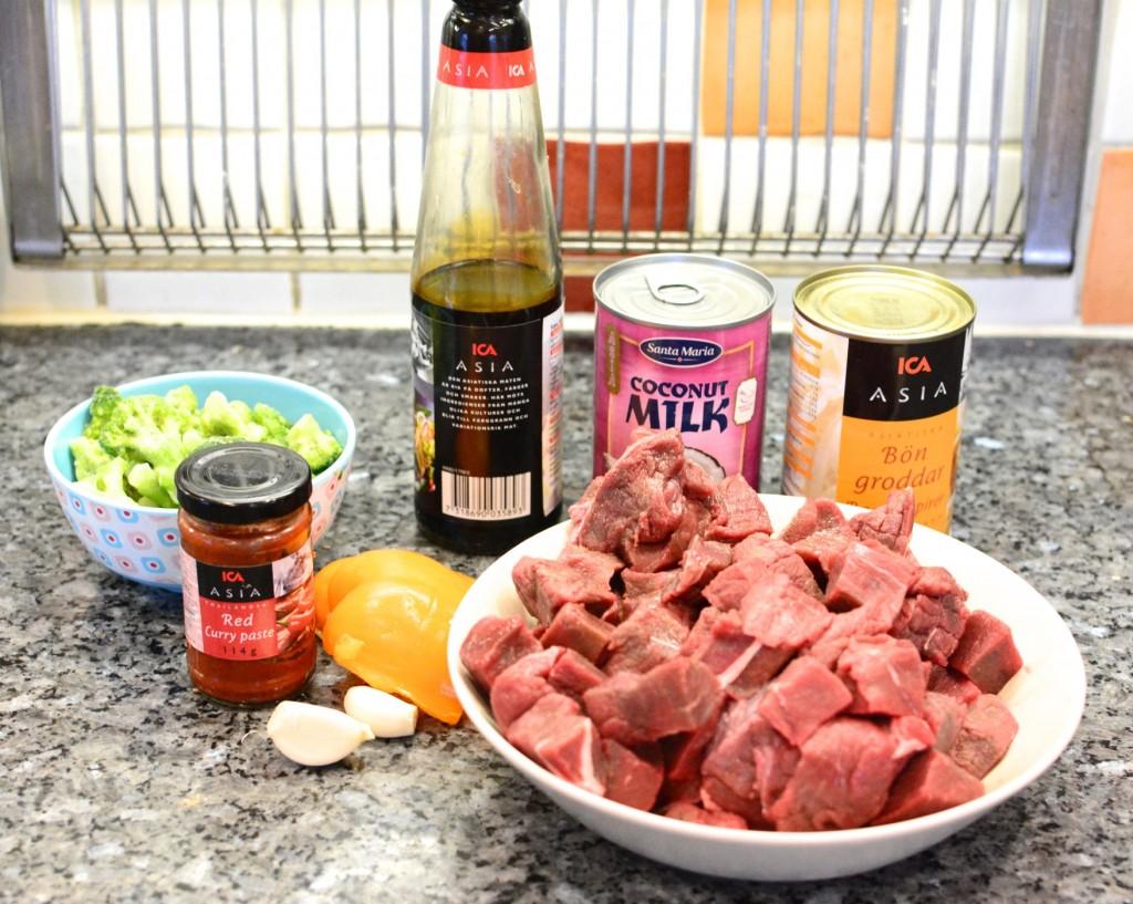 Alla ingredienser jag behöver till en asiatisk älggryta i Crock Pot