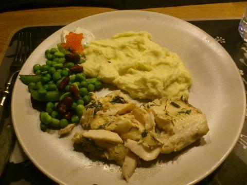 Röding, fisksås, mos och grönsaker
