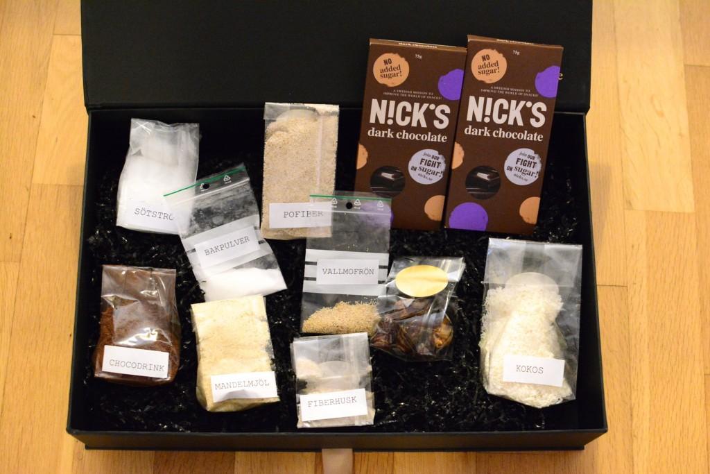 Ingredienser till tre gluten- och sockerfria bakverk och bröd