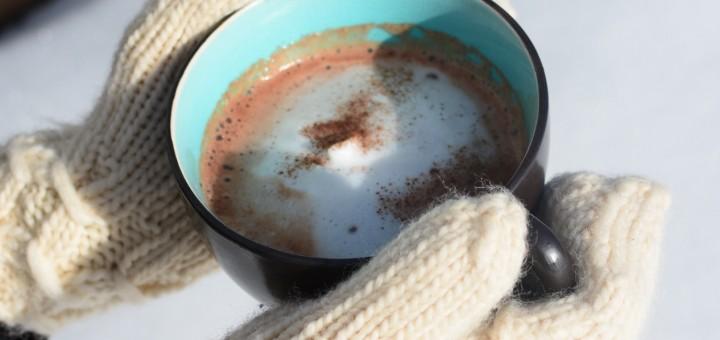 Underbart krämig och smakrik nyttig varm choklad.