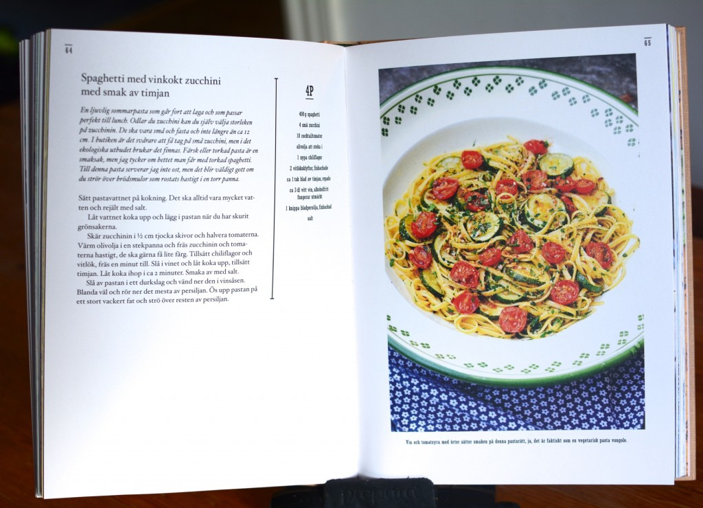 Spaghetti med vinkokt zucchini med smak av timjan