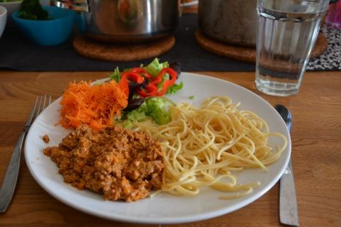 Köttfärssås och spaghetti precis som vi vill ha den!