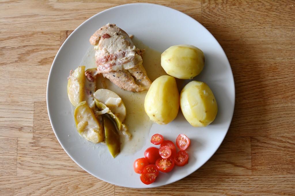 Godaste kycklinggrytan med bacon, äpple och cider i Crock Pot