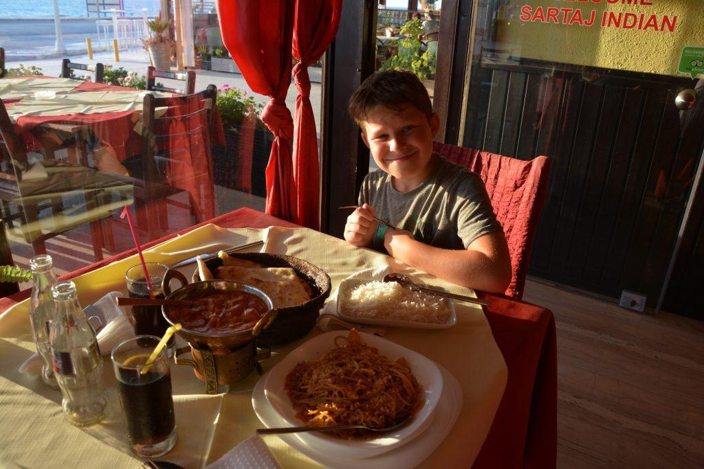 Jag åt Tikka massala med naan, Gustaf Phad Thai.