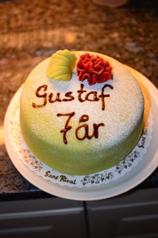 En underbart god prinsesstårta till Gus ära!
