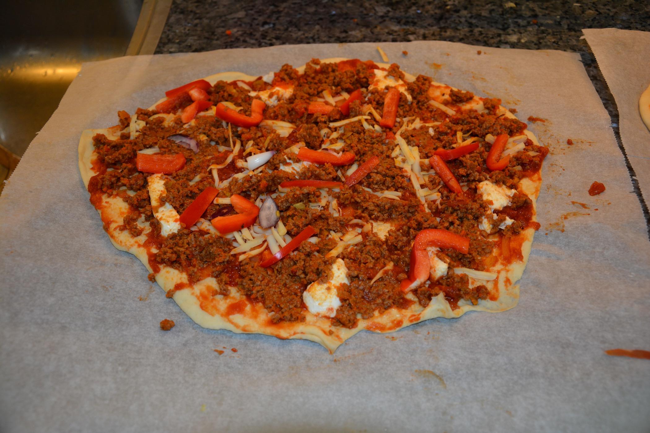 hemmagjord pizza köttfärs