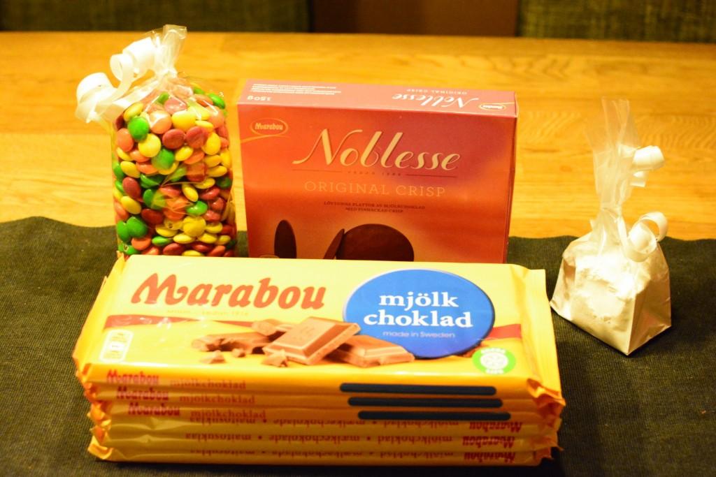 6 chokladkakor, Noblesse, Non stop och florsocker - bra bas för ett chokladhusbygge