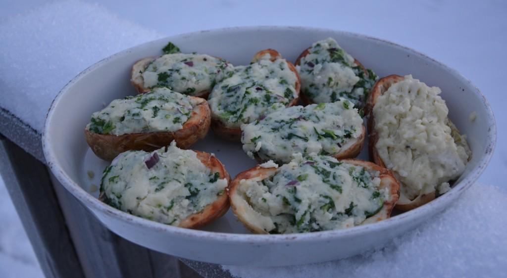 Grönkålsfylld potatis