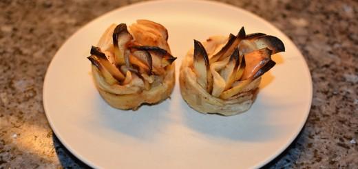 Vackra lättgjorda äppelrosor som dessert