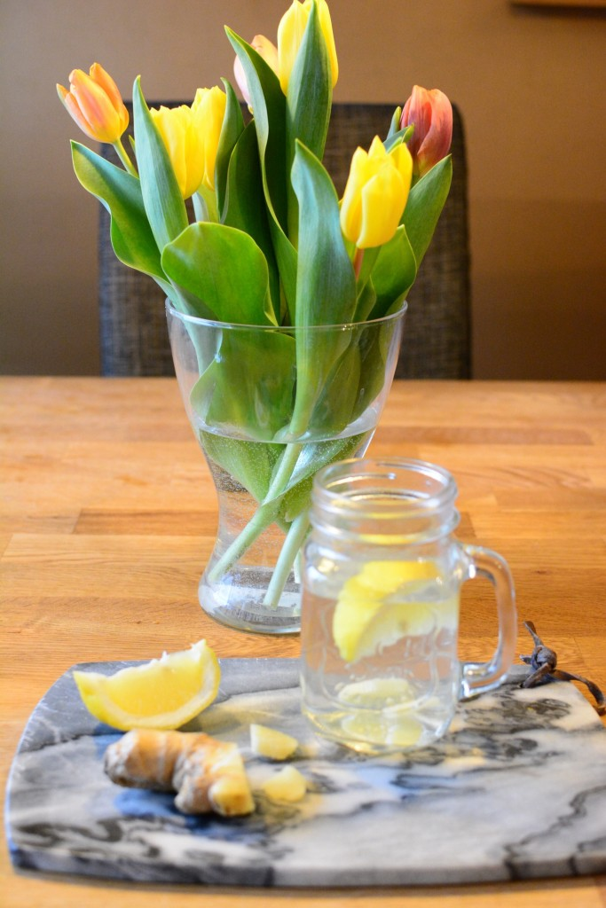 Citronvatten med ingefära, en perfekt dryck att kicka igång morgonen med