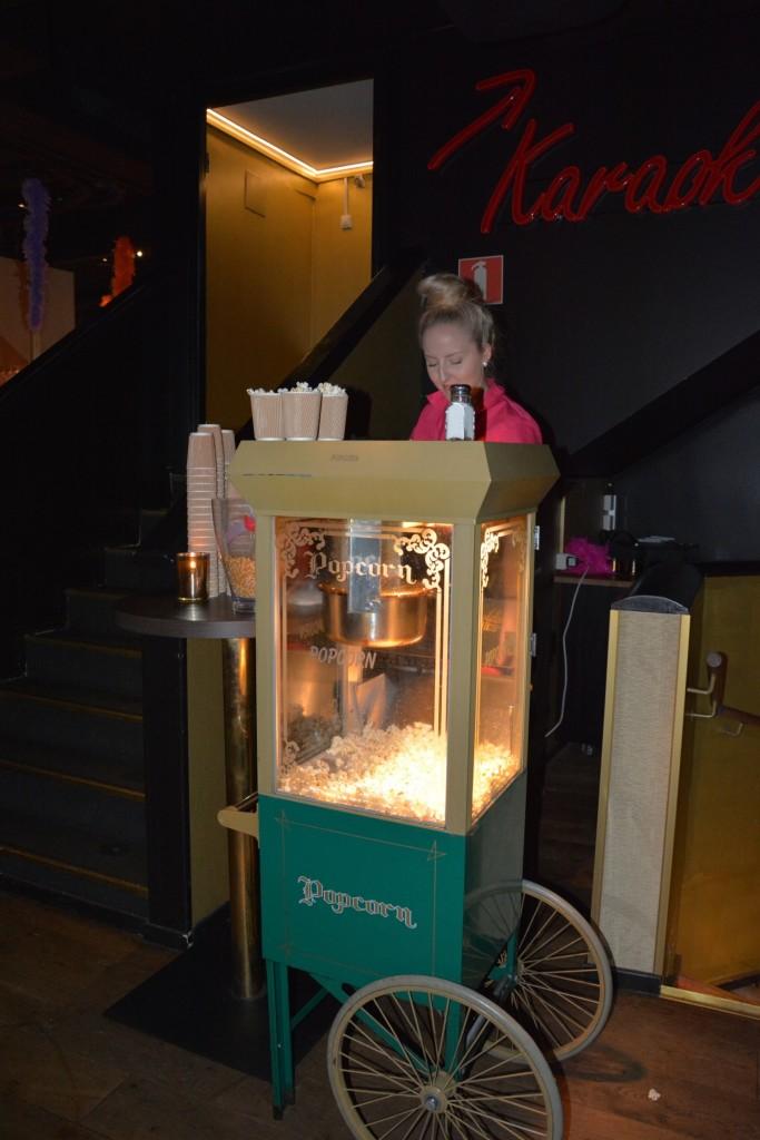 En härlig doft av nypoppade popcorn var det första som mötte oss.