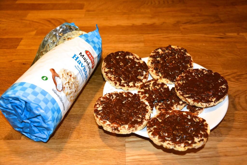 Hemgjorda chokladtoppade majskakor - gott och lyxigt!