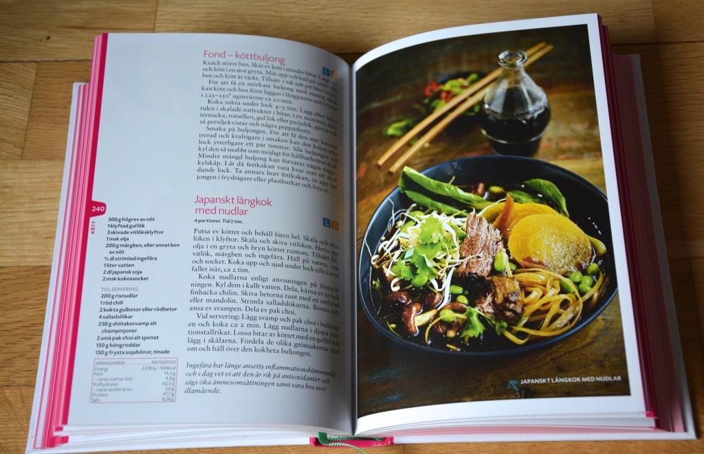 Boken innehåller mer än 200 näringsberäknade recept.
