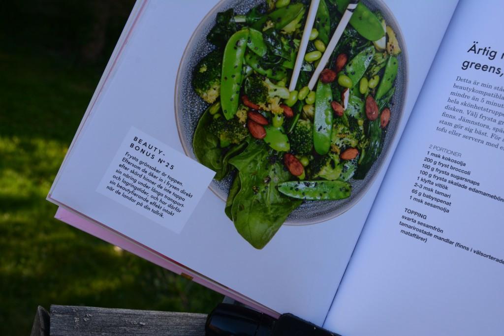 Till varje recept finns en beautybonus-ruta med intressanta fakta kring ingredienser som ingår i rätten.