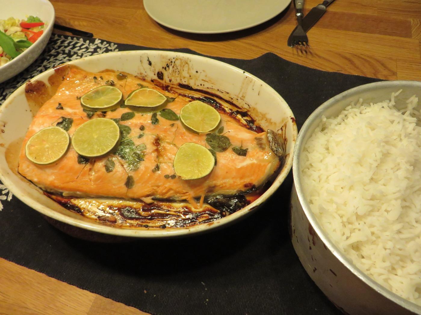 Lax, ris och grönsaker