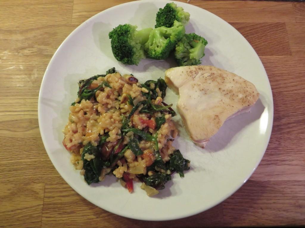 Lätt halstrad tonfisk med risotto och grönsaker