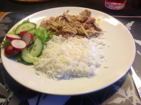 Rabarberkyckling med ris och grönsaker