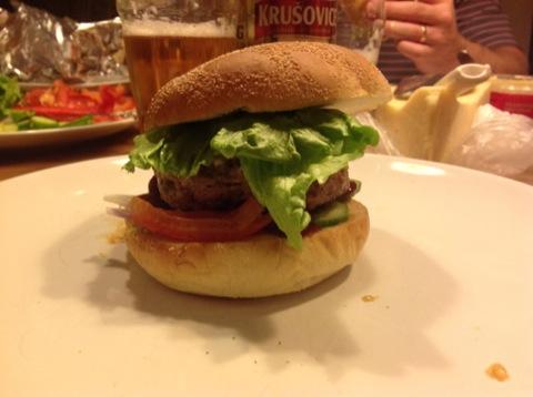 Hemgjorda hamburgare är bäst!