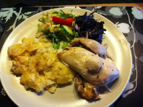 Söndagsmiddag med kyckling och gratäng
