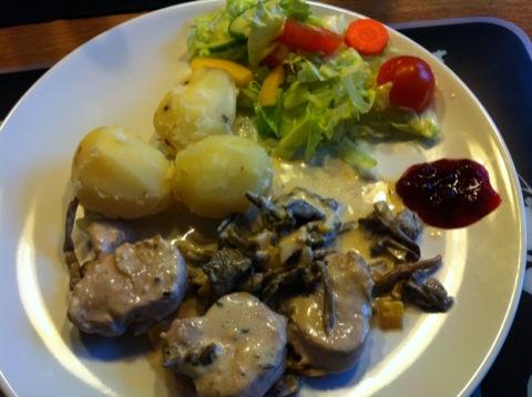 Höstlig fläskfilé med potatis och grönsaker