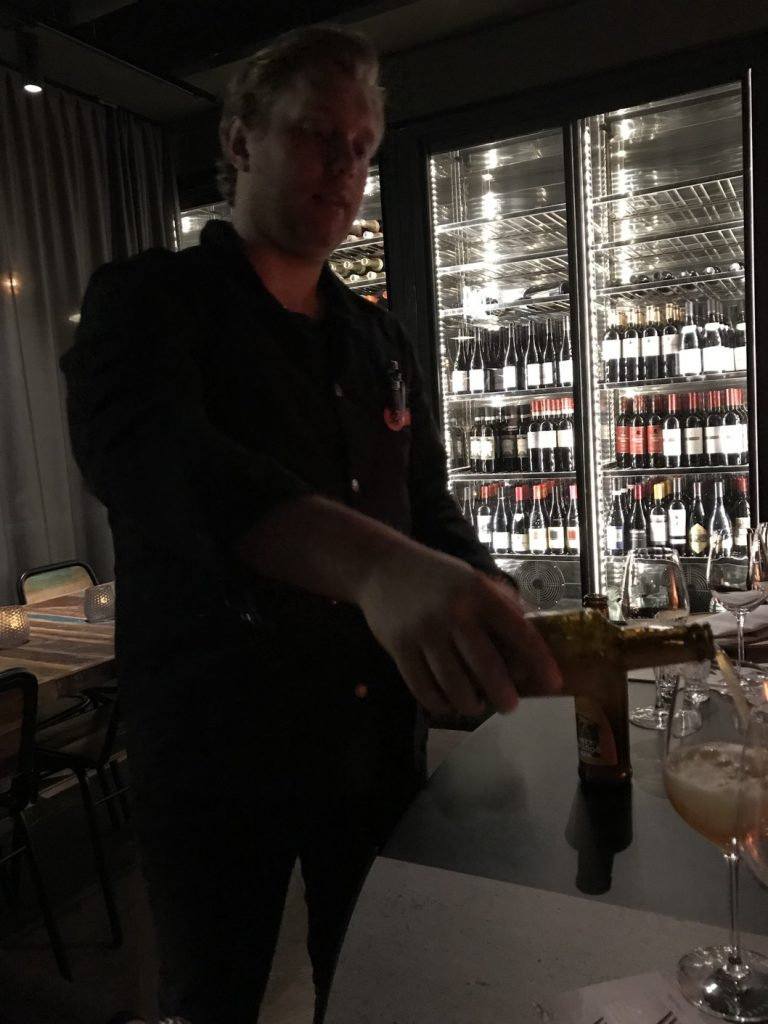 Niklas, vår fantastiska servitör.