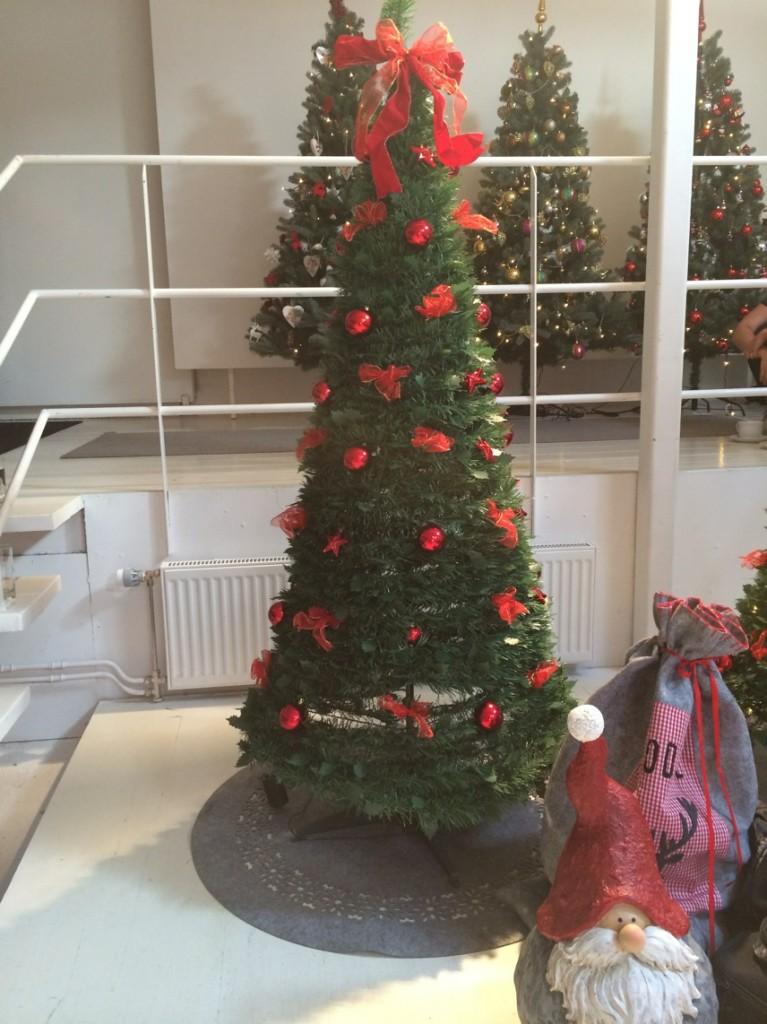 Pop-up julgran som är omöjlig att misslyckas med att montera