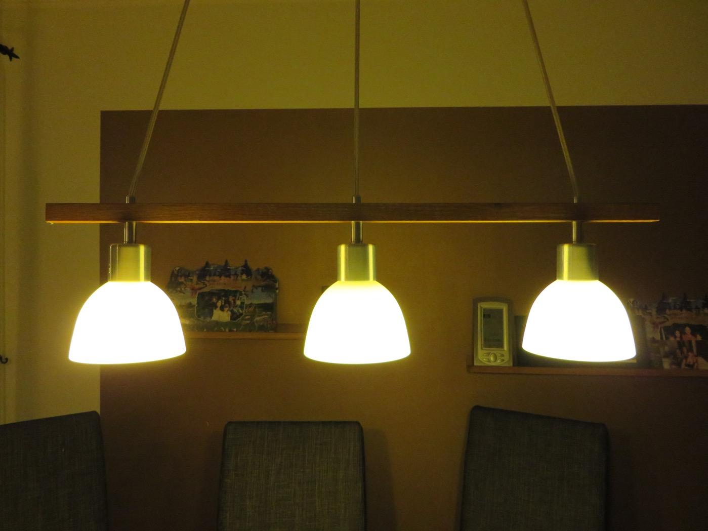 Matsalslampa i ek