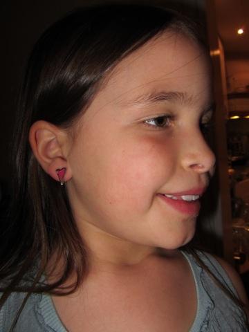 Filippa med örhängen från Miss Dee