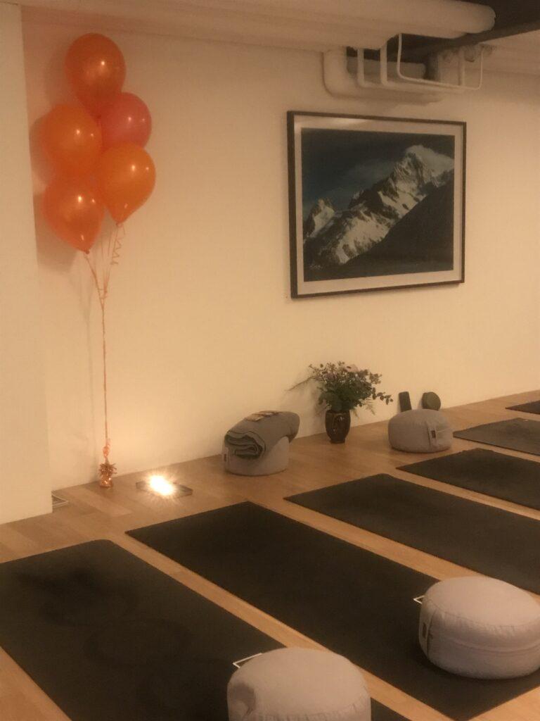 Yoga och meditationssal.