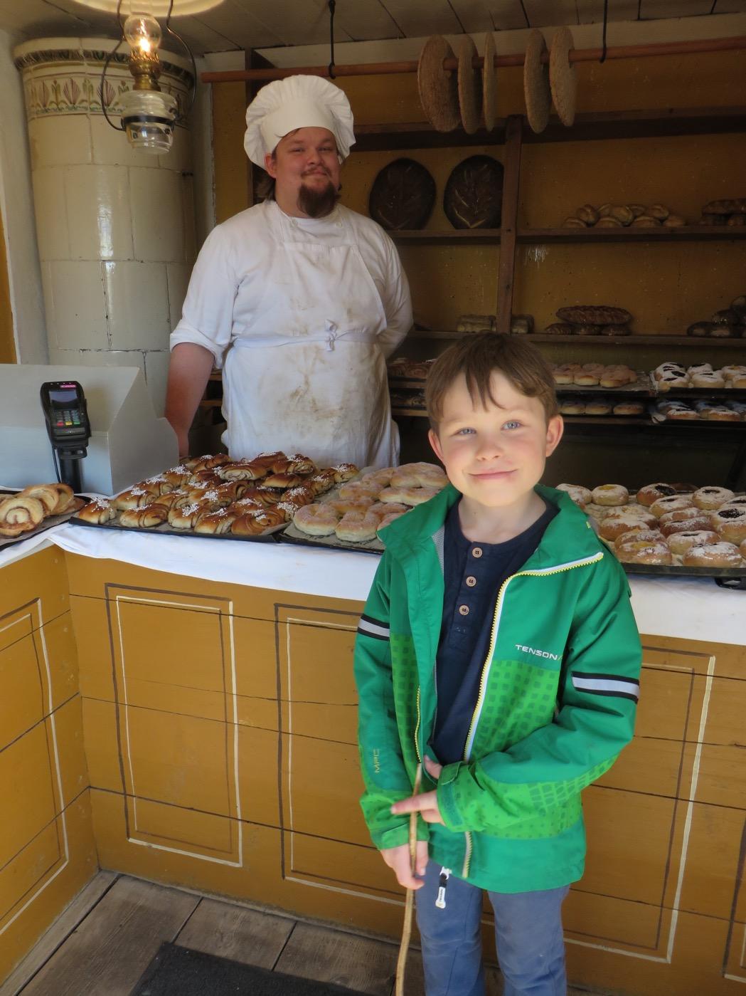 Gammaldags bageri med underbart doftande bullar och bröd!