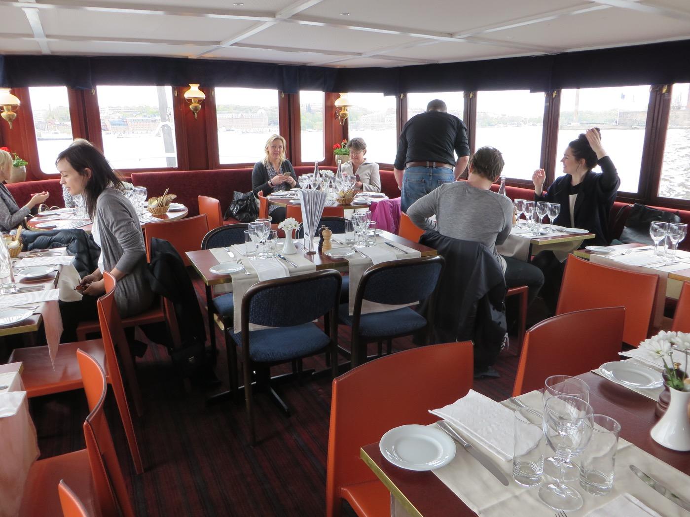 Liten men mysig restaurangdel med plats för 40 personer.