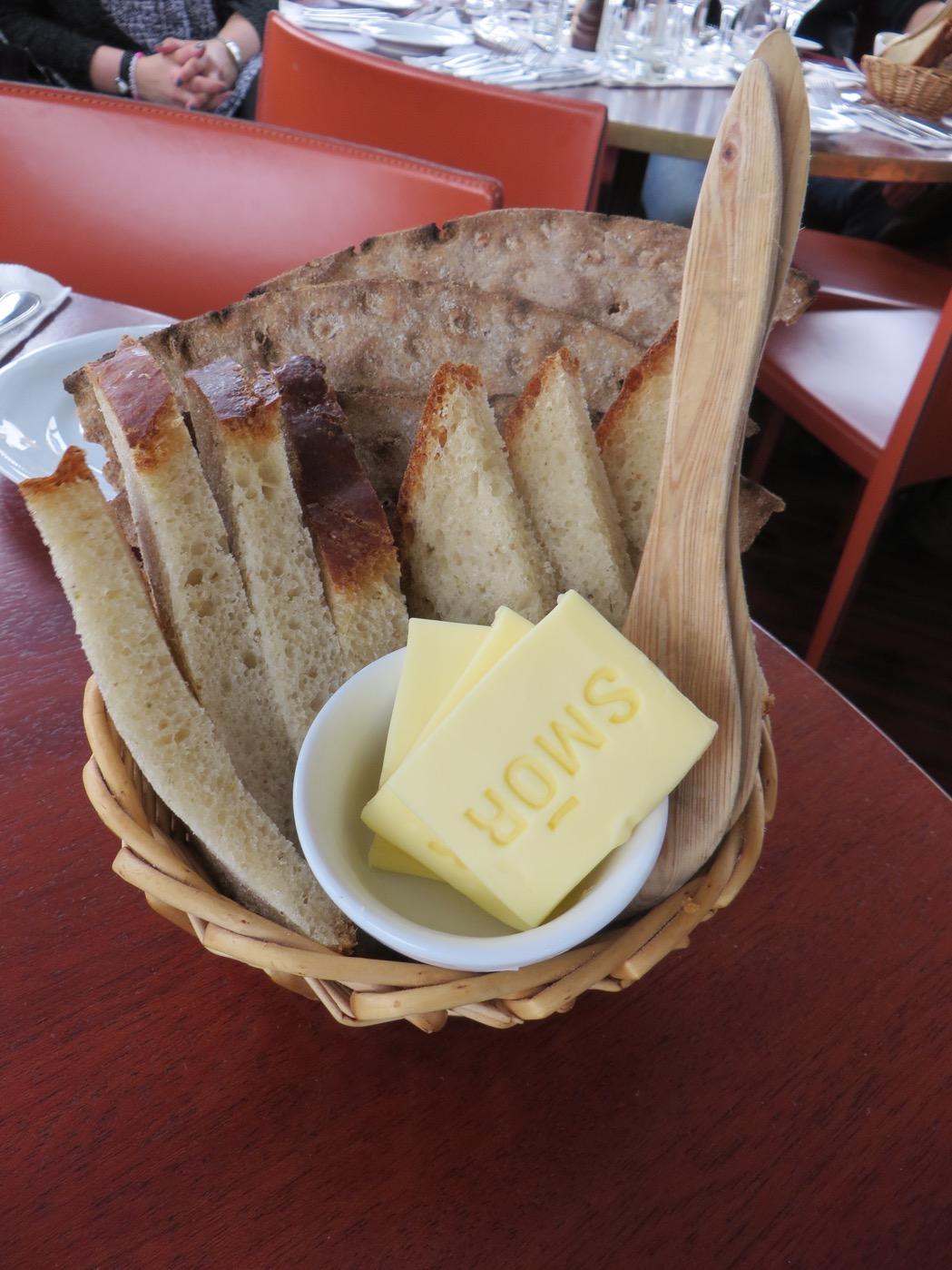 Hembakt smakrikt bröd.