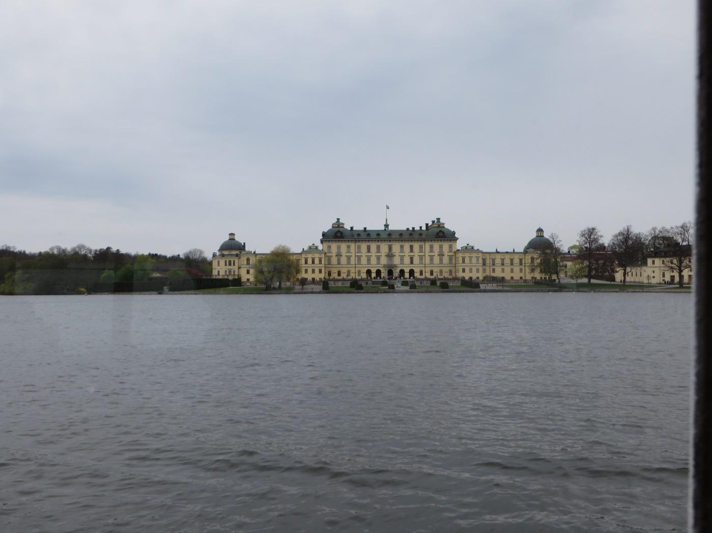 Båten gick till Drottningholms slott tur och retur.