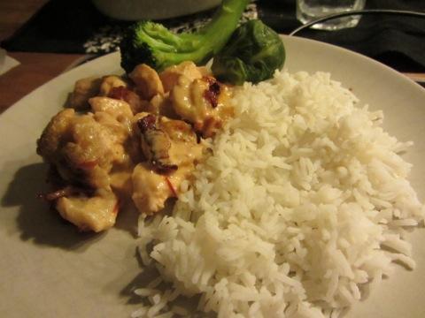 Flygande Jakob med ris och grönsaker
