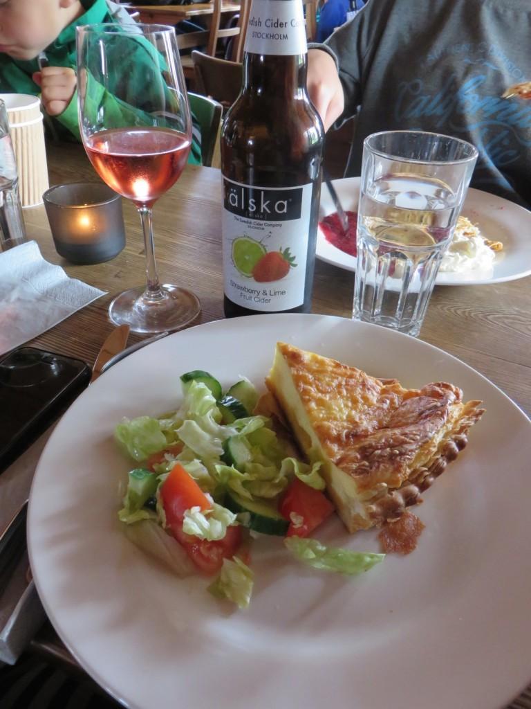 En ost- och skinkpaj som blev Västerbottenpaj.