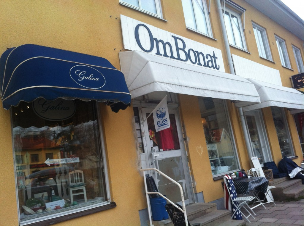 OmBonat vid Ängby torg, Bromma