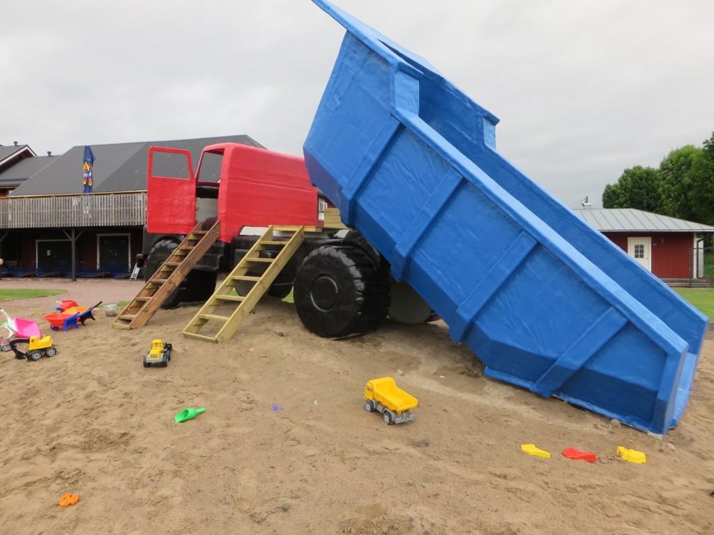 Ett jättelikt sandområde med alla verktyg man kan önska sig.