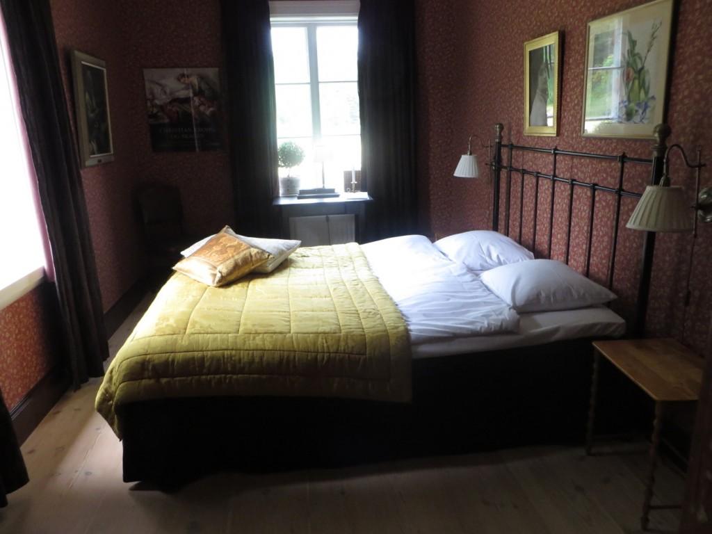 Fina rum med sköna sängar.