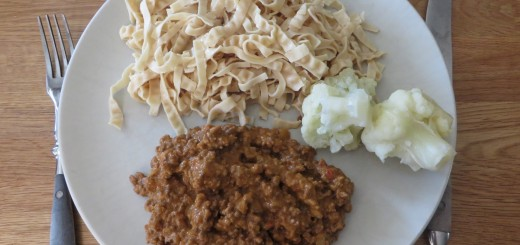 Bönpasta och köttfärssås.