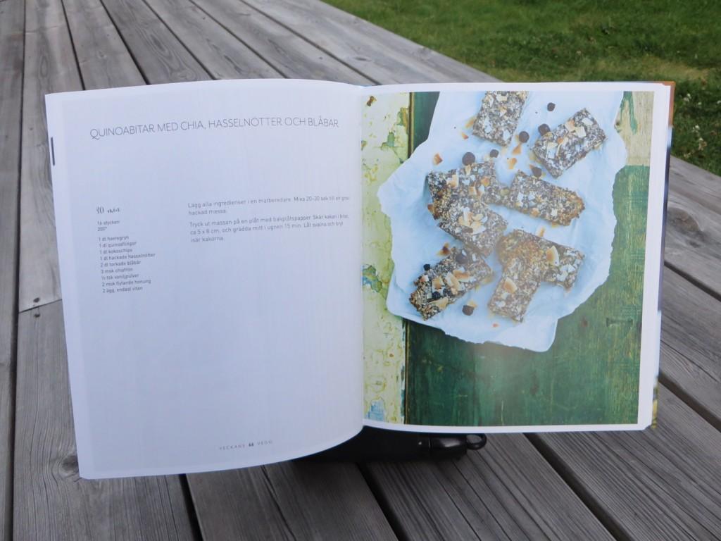 Boken innehåller allt från recept på dryck, frukost, lunch till fika och snacks.