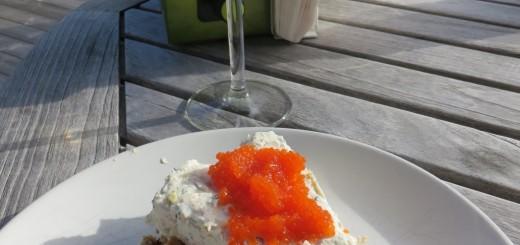 Avnjutes med fördel ute på altanen tillsammans med ett glas vitt vin.