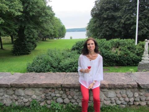 Jag njuter av Ega och vacker utsikt på Elfviks gård