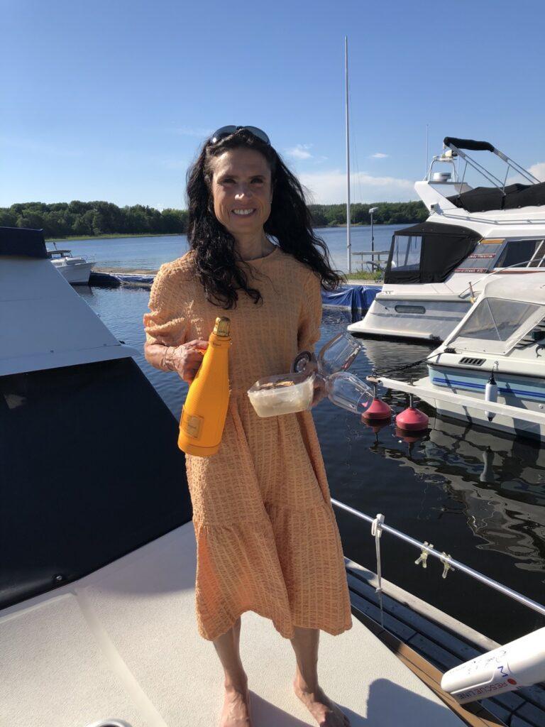 Fjäderbröllop firades på vår egen båt!