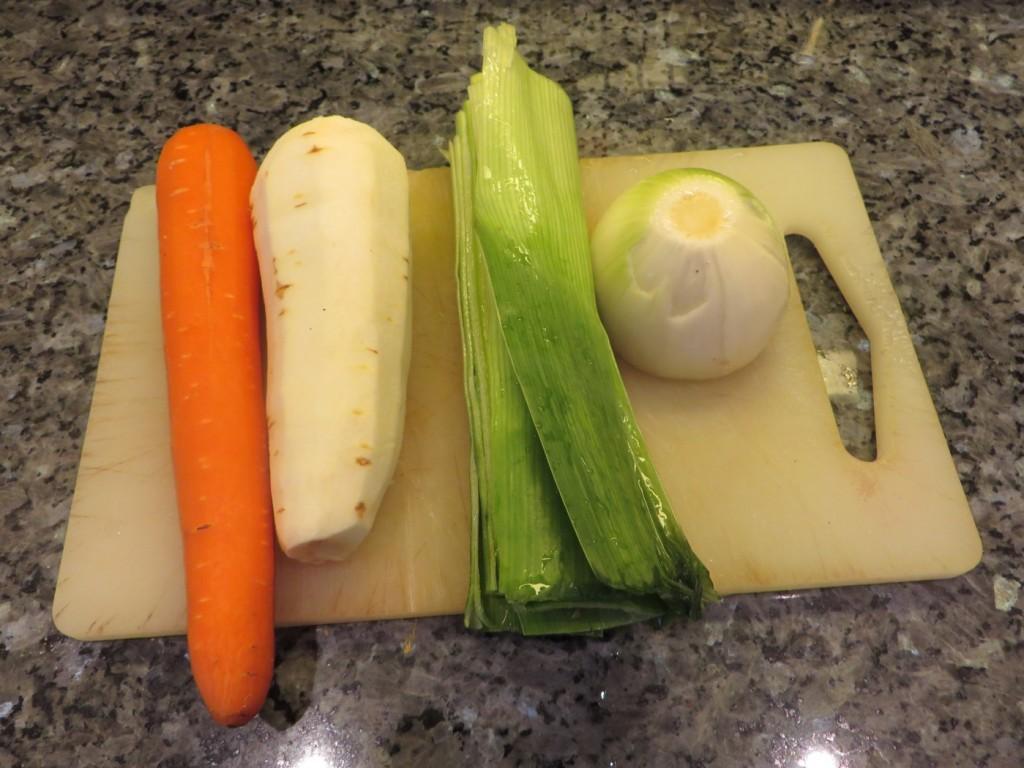 Grönsaker som behövs till slökokad högrev.
