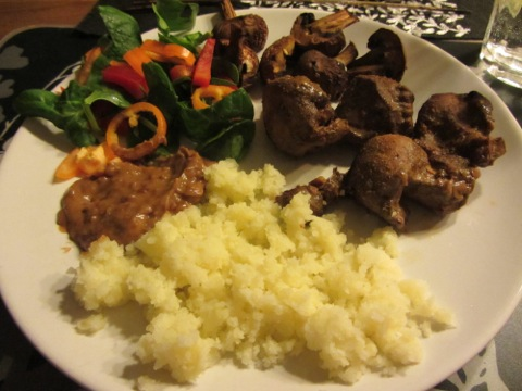 Chicken satay med jordnötssås och ris