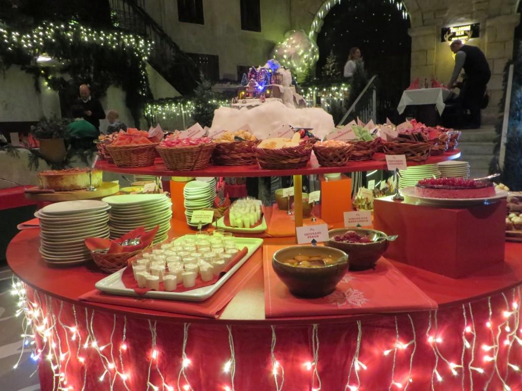 Spara plats till efterrätterna! Upplev Tyrols Vilda julbord