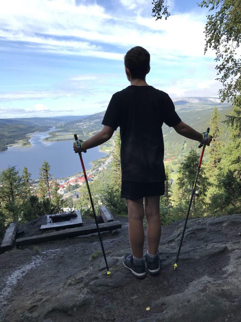 Vid Nalleklippan stannade vi och njöt av utsikten.